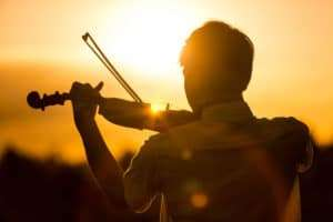 talented-man-with-violin